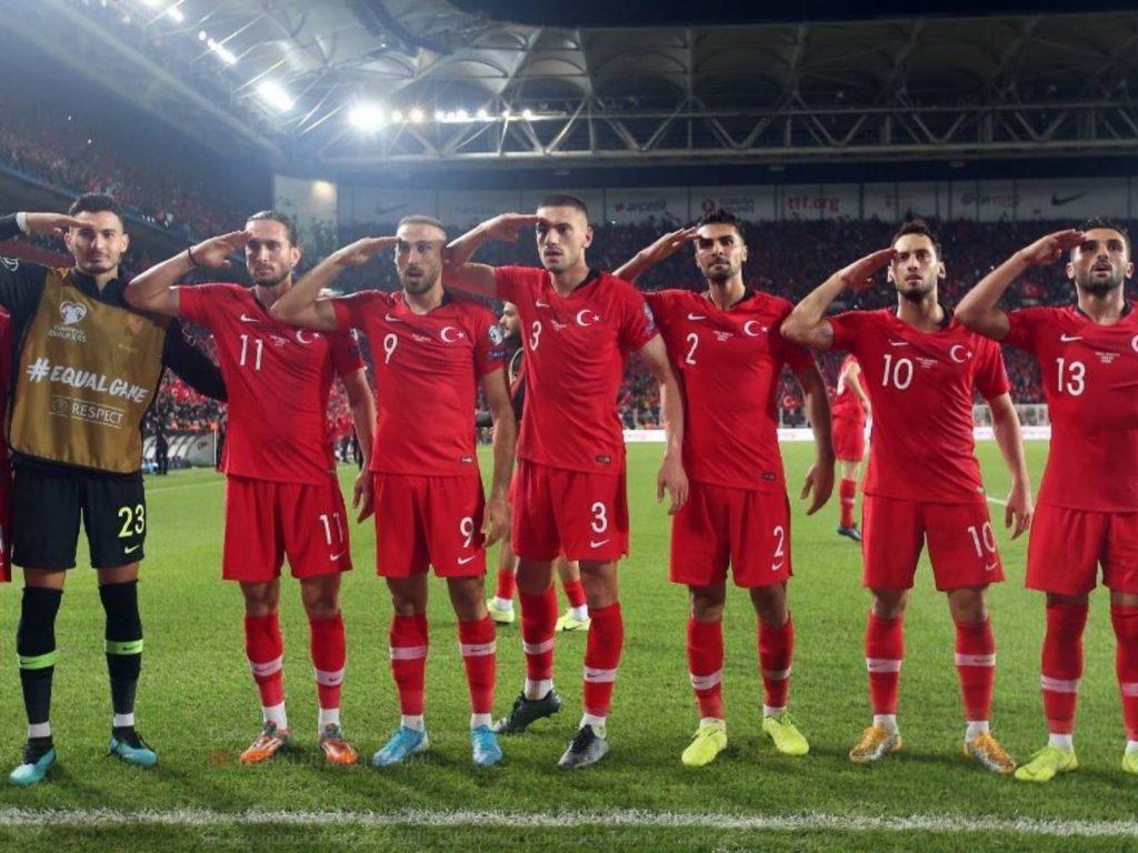 """Tjetër """"humbje dinjitoze"""", ndërsa turqit festojnë si në betejat e Sirisë"""