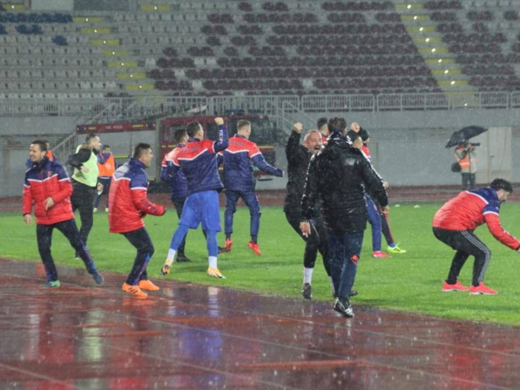 Superliga vazhdon vaksinimin: Ilaçi i bekuar quhet..Vllaznia